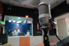 ラジオ収録スタジオ